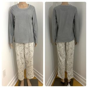 New Women's Gray Paisley 2 Piece Pajama Set PJs